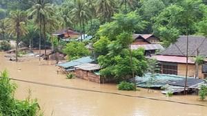 Nghệ An: Ảnh hưởng bão số 4, gần 6.000 hộ dân mất điện