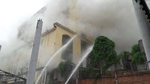 Nghệ An: Cháy lớn tại tổ hợp khách sạn Avatar