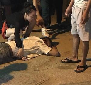[Nghi án] Tài xế taxi bị bắn vào bụng, chèn xe qua người