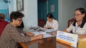 Nghỉ hưu giai đoạn 2018-2021: Điều chỉnh lương hưu cho lao động nữ