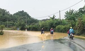 Khẩn trương tìm kiếm nạn nhân bị lũ cuốn trôi ở Cao Bằng