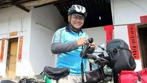 Người đàn ông 60 tuổi đạp xe xuyên quốc gia