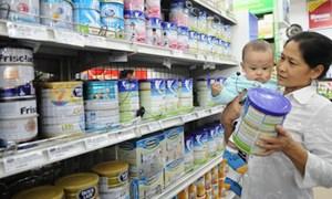 Nguyên liệu giảm, giá sữa vẫn đứng yên