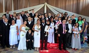 Nhà tù tổ chức đám cưới tập thể cho phạm nhân