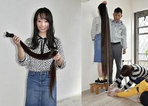 Nhật Bản: Cô gái có mái tóc dài nhất thế giới cắt tóc mừng triều đại mới