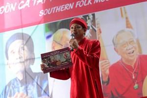 Nhiếp ảnh gia Nguyễn Á ra mắt sách ảnh di sản
