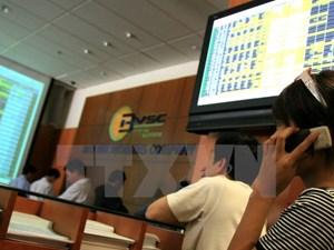 Nhóm cổ phiếu trụ cột tăng giá kéo VN-Index tăng 10 điểm