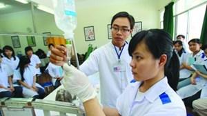 Nhóm ngành đào tạo lĩnh vực sức khỏe: Quy định điểm sàn là cần thiết