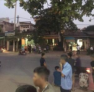 Nữ nhân viên quán karaoke bị truy sát từ quán ra ngoài đường, tử vong