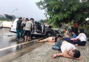 Ô tô đấu đầu trên đèo Mađagui, 9 người trọng thương
