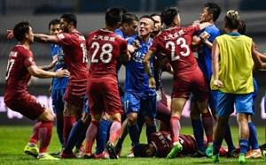 Oscar bị treo giò 8 trận vì 'đá láo' ở Trung Quốc