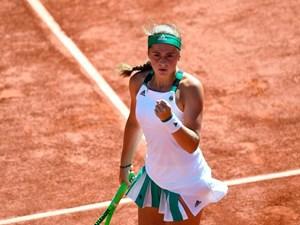 Ostapenko lập kỳ tích khi giành vé vào chung kết Roland Garros