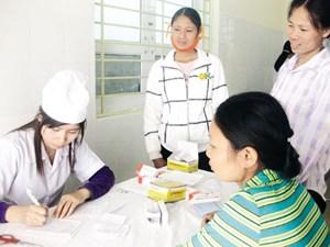 Phân công công việc với cán bộ chuyên trách dân số làm việc tại Trạm Y tế xã