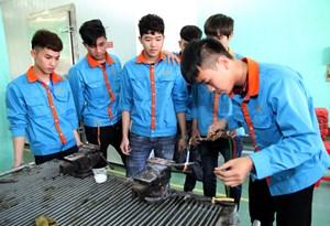 Phân luồng học sinh sau THCS: Xóa bỏ định kiến học nghề