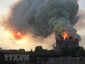 Pháp: Đã kiểm soát được đám cháy ở nhà thờ Đức Bà Paris
