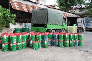 Phát hiện đường dây sản xuất dầu nhớt giả ở TP Hồ Chí Minh