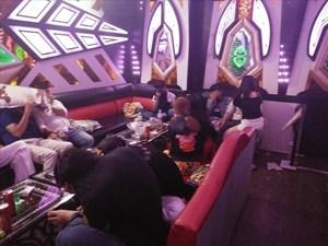 Phát hiện hàng chục thanh niên nghi phê ma túy trong quán karaoke