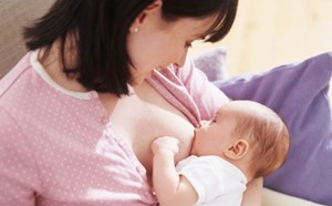 Phát hiện mới về lợi ích của sữa mẹ