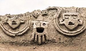 Phát hiện tranh phù điêu 3.800 tuổi ở Peru
