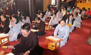 Phật tử tập trung về chùa Trúc Lâm Kharcov cầu an
