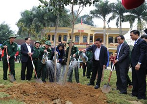 Phó Chủ tịch - Tổng Thư ký Trần Thanh Mẫn dự 'Tết trồng cây' với BĐBP