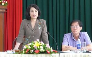 Phó Chủ tịch Bùi Thị Thanh giám sát bầu cử tại tỉnh Lâm Đồng