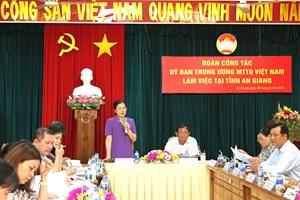 Phó Chủ tịch Trương Thị Ngọc Ánh kiểm tra công tác chuẩn bị Đại hội Mặt trận tỉnh An Giang