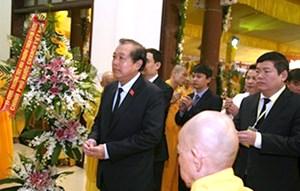 Phó Thủ tướng Thường trực Trương Hòa Bình viếng Hòa thượng Thích Chơn Thiện