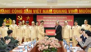 Phó Thủ tướng Trương Hòa Bình chúc Tết một số đơn vị Bộ Công an
