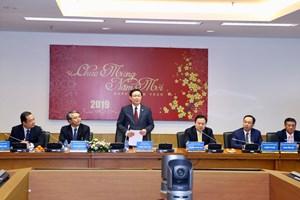 Phó Thủ tướng Vương Đình Huệ thăm, làm việc tại một số đơn vị ngày đầu tiên đi làm sau Tết