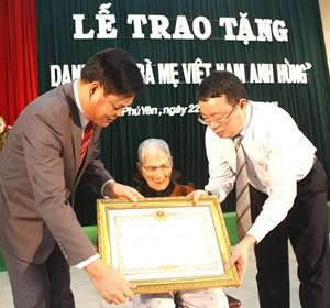 Phú Yên: 23 mẹ được tặng danh hiệu Bà mẹ Việt Nam Anh hùng