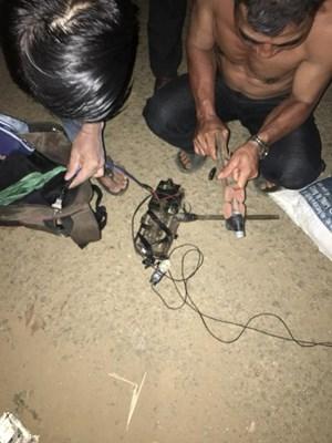 Phục kích tóm gọn kẻ nghi trộm chó trong đêm