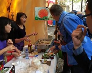 Quảng bá văn hoá ẩm thực Việt tại Lễ hội Sứ quán 2017 tại Hà Lan