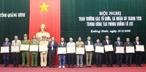 Quảng Bình: Tuyên dương các cá nhân dũng cảm trong mưa lũ