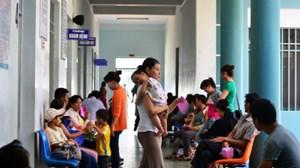 Quảng Nam: Thời tiết nắng nóng, bệnh nhi có chiều hướng tăng