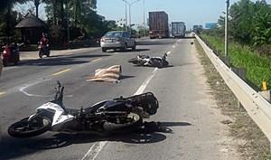 Quảng Nam: Va chạm với xe đầu kéo, nữ du khách nước ngoài tử vong