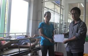Quảng Nam: Văn phòng báo Đại Đoàn Kết trao tiền bạn đọc hỗ trợ gia đình thương tâm