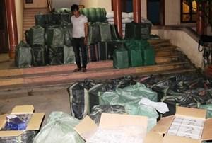 Quảng Trị: Bắt giữ vụ vận chuyển 41.000 gói thuốc lá lậu