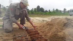 Quảng Trị: Phát hiện hầm đạn pháo dưới nhà dân