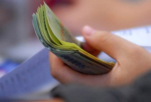 Quy định tạm dừng hưởng lương hưu trong những trường hợp nào?