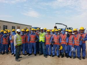 Rà soát thông tin để bảo vệ người lao động làm việc tại Qatar
