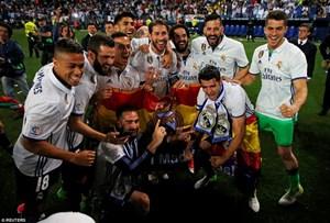 Real Madrid mở tiệc ăn mừng chức vô địch La Liga tại Cibeles