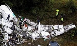 Rơi máy bay quân sự ở Colombia, 8 người chết