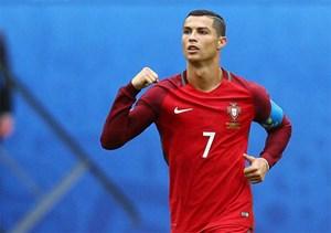 Ronaldo lập hat-trick, Bồ Đào Nha đại thắng ở vòng loại World Cup