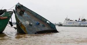 Sà lan tự hành va chạm tàu biển, thuyền trưởng tử vong