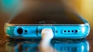Sạc điện thoại sai cách khiến pin nhanh bị 'chai'