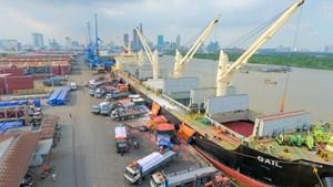 Sẽ điều chỉnh phí dịch vụ cảng biển