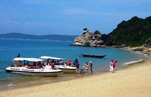 Siết chặt hoạt động du lịch, thể thao trong Khu bảo tồn biển Cù lao Chàm