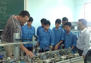 Siết chặt quản lý lao động nước ngoài làm việc tại Việt Nam