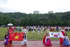 Sôi động Giải bóng đá ICFood Cup của sinh viên Việt tại Hàn Quốc
